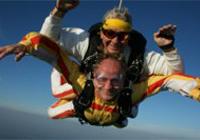Lancio tandem con paracadute
